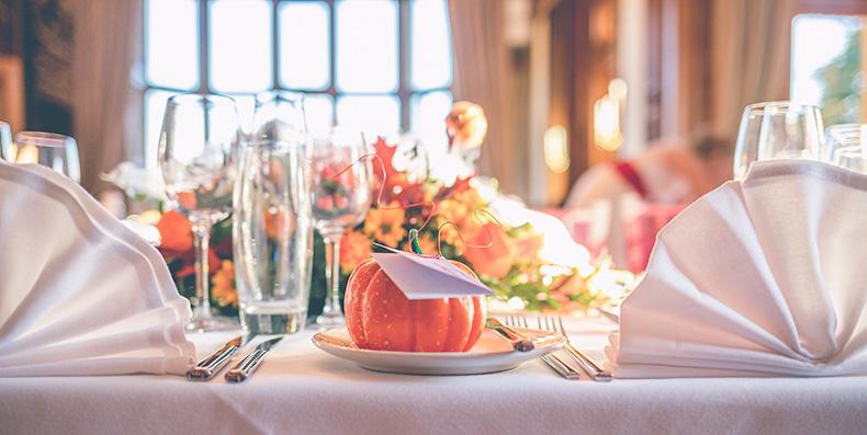 Pumpkin accessories for autumn wedding