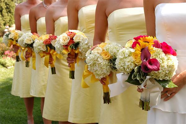 Yellow wedding flowers for spring wedding